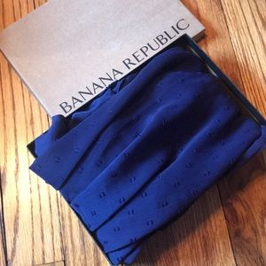 NWT sheer Banana Republic Factory scarf